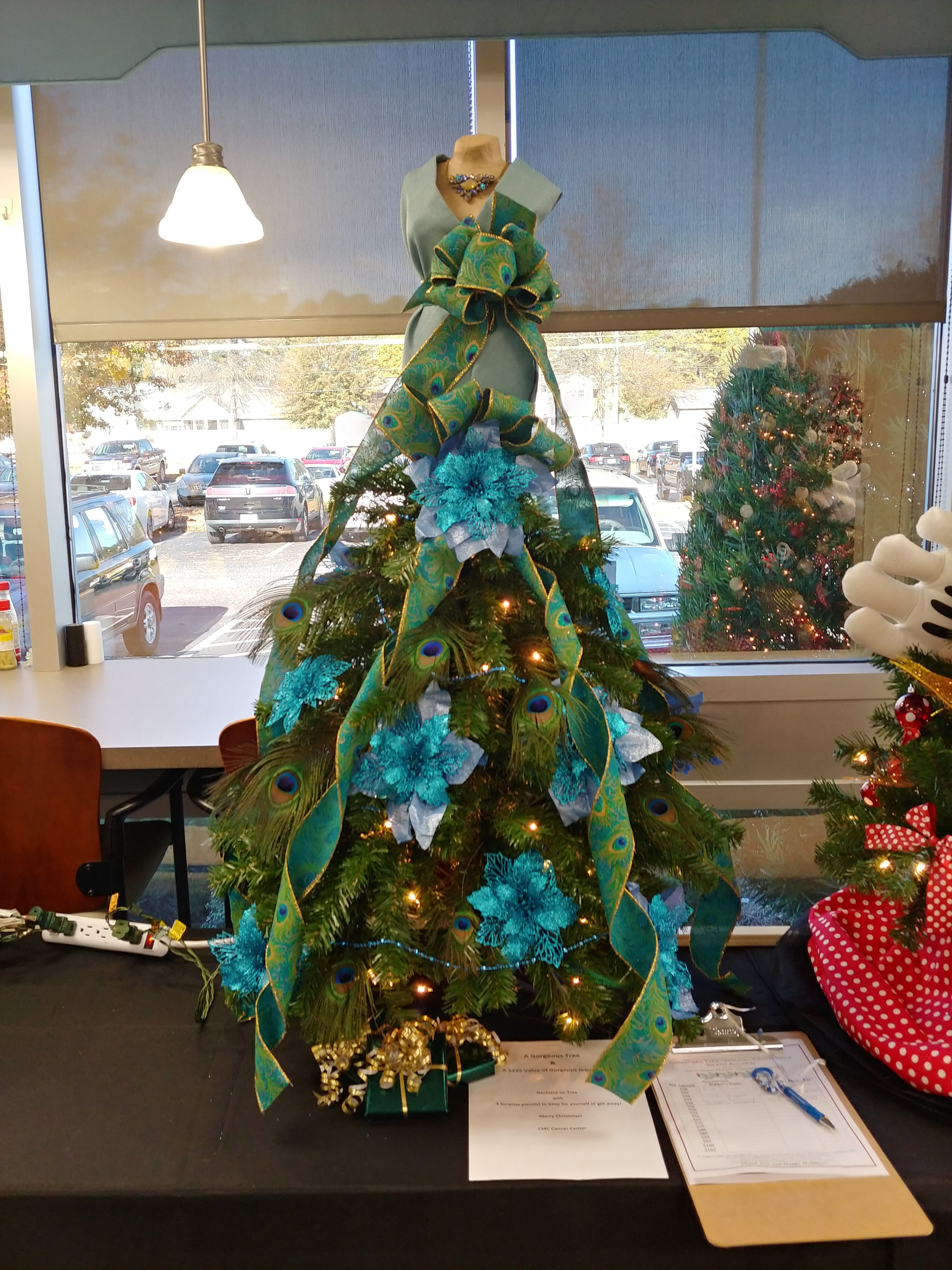 Annual Tree, Wreath, and Centerpiece Silent Auction